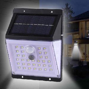 Kültéri napelemes LED lámpa, fény- és mozgásérzékelővel / 45 leddel