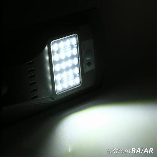 LED térvilágítás, napelemes, fény-és mozgásérzékelős utcai világítás (20W - hideg fehér)