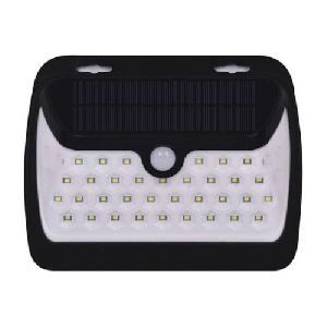 Napelemes mozgásérzékelős fali lámpa 38 LED - széles szög