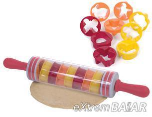 Sodrófa süteményformákkal / Roll-And-Store Pin /