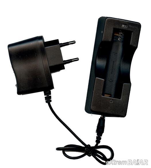 Akkumulátor töltő 1db-os hálózati ( típus: 18650)