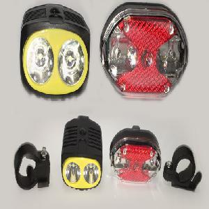 Kerékpár lámpa lémpa szett Első-Hátsó LED TD-516 A,B,1,9